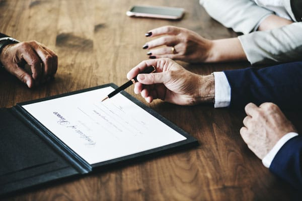 Signing a business law agreement