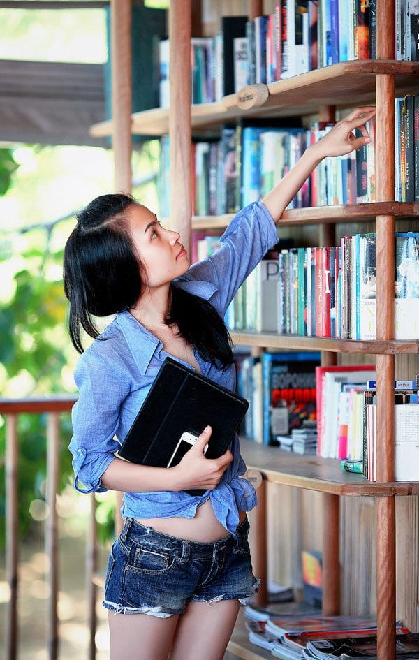 Student girl in library